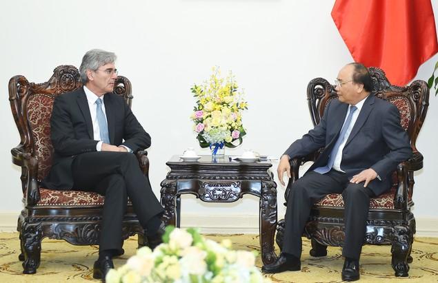 Thủ tướng Nguyễn Xuân Phúc tiếp Tổng Giám đốc Tập đoàn Siemens - ảnh 1