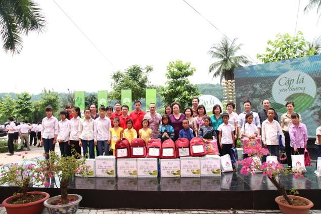 SeABank chia sẻ nụ cười và ước mơ với trẻ em nghèo - ảnh 2