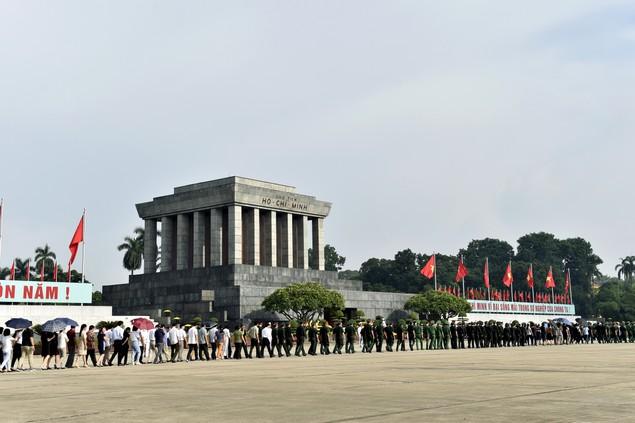 Lãnh đạo Đảng, Nhà nước viếng Chủ tịch Hồ Chí Minh - ảnh 5