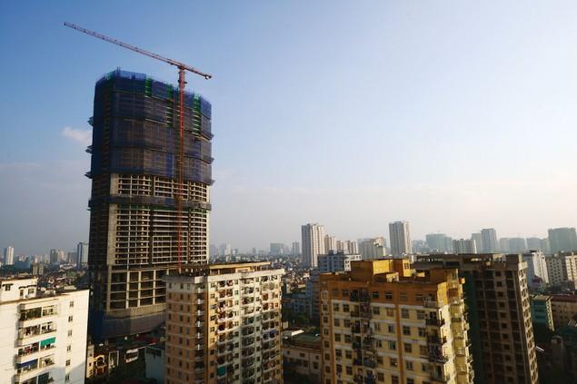 Nguy hiểm rình rập tại công trường các dự án bất động sản - ảnh 1