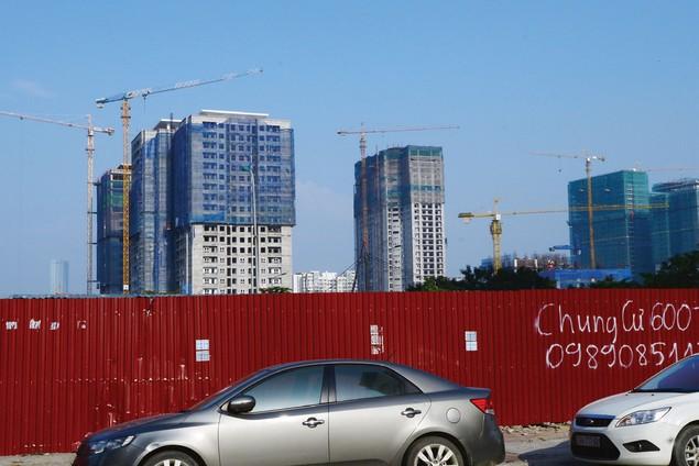 Nguy hiểm rình rập tại công trường các dự án bất động sản - ảnh 2