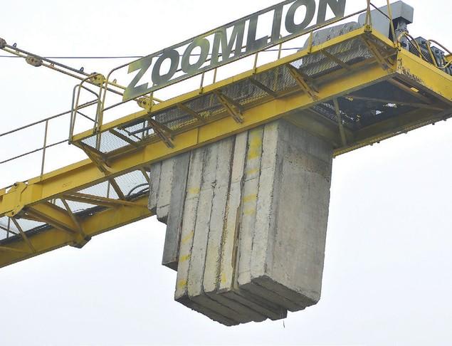 Nguy hiểm rình rập tại công trường các dự án bất động sản - ảnh 6