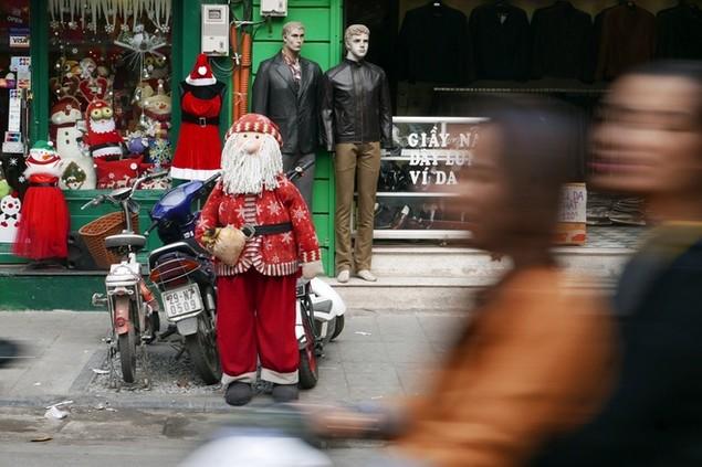 Không khí Noel tràn ngập thủ đô - ảnh 3