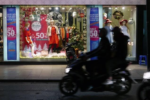 Không khí Noel tràn ngập thủ đô - ảnh 5