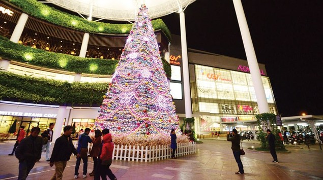 Trung tâm thương mại lung linh mùa Noel - ảnh 1
