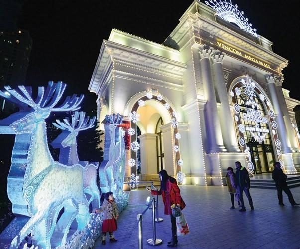 Trung tâm thương mại lung linh mùa Noel - ảnh 4