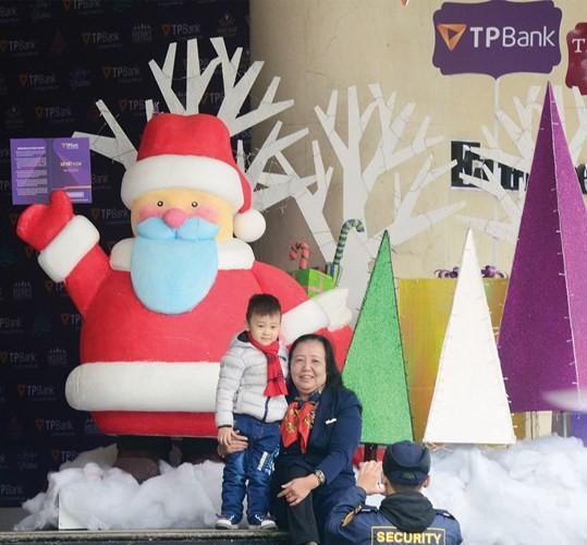 Trung tâm thương mại lung linh mùa Noel - ảnh 7