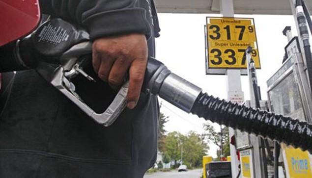 Bộ trưởng Bộ Tài chính lý giải việc giá xăng dầu giảm chậm so với thế giới - ảnh 1