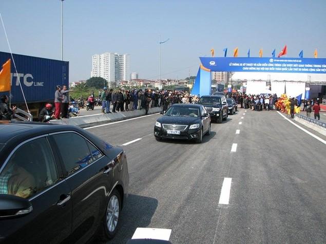 """Thông xe cầu vượt thép """"khủng"""" nhất Hà Nội - ảnh 5"""