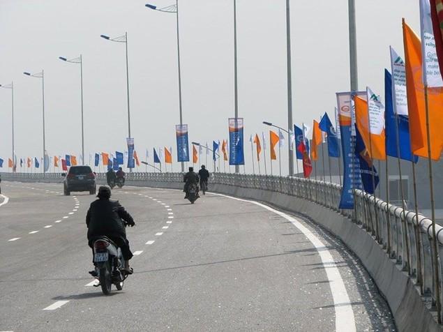 """Thông xe cầu vượt thép """"khủng"""" nhất Hà Nội - ảnh 8"""