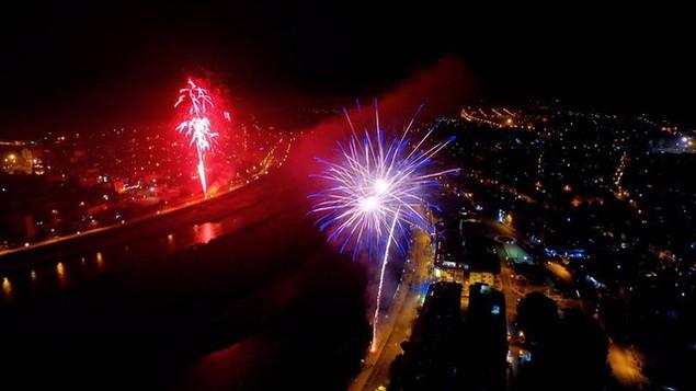 """Pháo """"nở hoa"""" trên bầu trời chào năm mới Bính Thân - ảnh 46"""