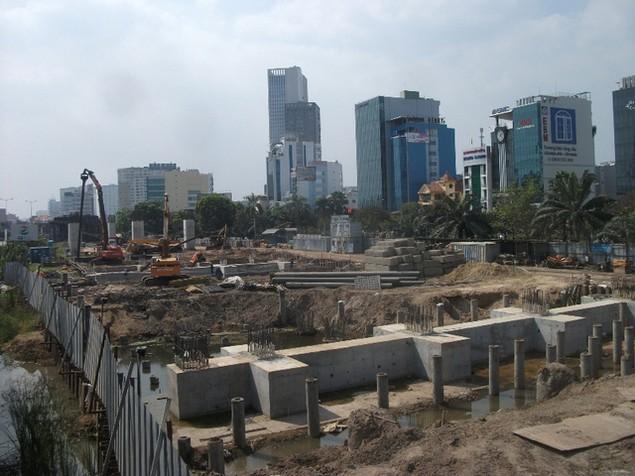 Tất bật thi công đại dự án metro số 1 Bến Thành - Suối Tiên - ảnh 10