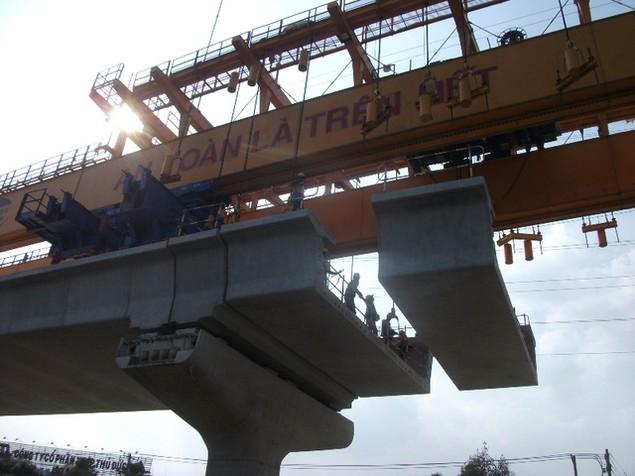 Tất bật thi công đại dự án metro số 1 Bến Thành - Suối Tiên - ảnh 12