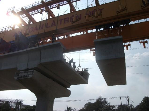 Tất bật thi công đại dự án metro số 1 Bến Thành - Suối Tiên - ảnh 13
