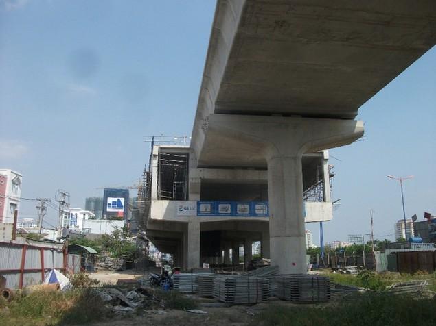 Tất bật thi công đại dự án metro số 1 Bến Thành - Suối Tiên - ảnh 4