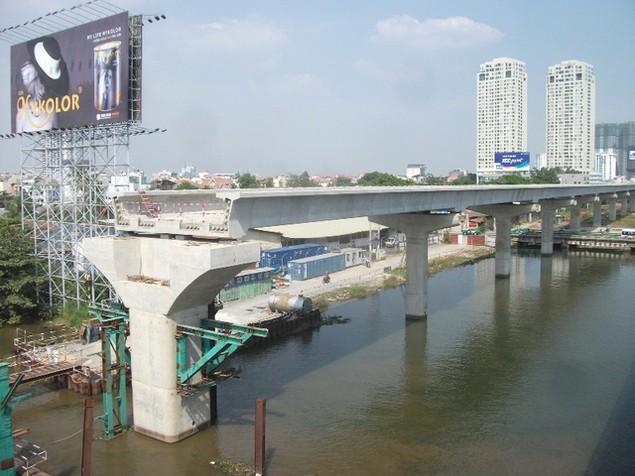 Tất bật thi công đại dự án metro số 1 Bến Thành - Suối Tiên - ảnh 7