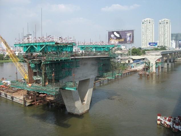 Tất bật thi công đại dự án metro số 1 Bến Thành - Suối Tiên - ảnh 9