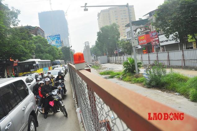 Dự án đường sắt Nhổn - Ga Hà Nội: Lập lôcốt nhưng không thi công, dân khốn khổ nhiều năm trời - ảnh 1