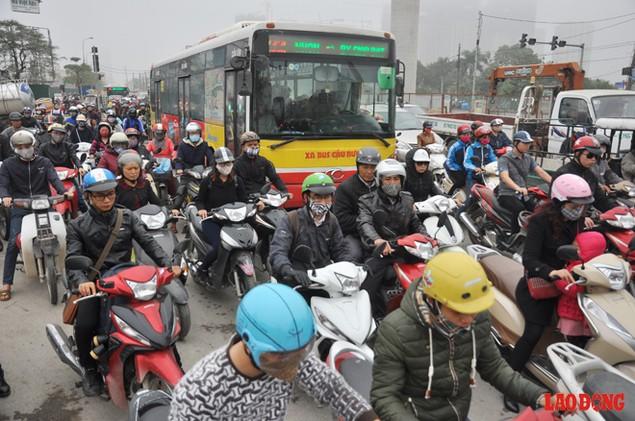 Dự án đường sắt Nhổn - Ga Hà Nội: Lập lôcốt nhưng không thi công, dân khốn khổ nhiều năm trời - ảnh 8