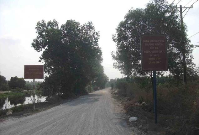 Cận cảnh sụt lún nghiêm trọng tại dự án tái định cư đồ sộ nhất TPHCM - ảnh 1