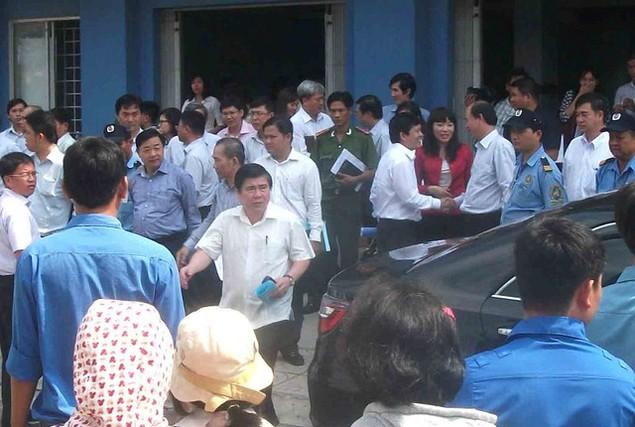 Cận cảnh sụt lún nghiêm trọng tại dự án tái định cư đồ sộ nhất TPHCM - ảnh 4