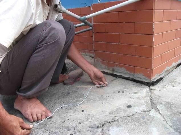Cận cảnh sụt lún nghiêm trọng tại dự án tái định cư đồ sộ nhất TPHCM - ảnh 9