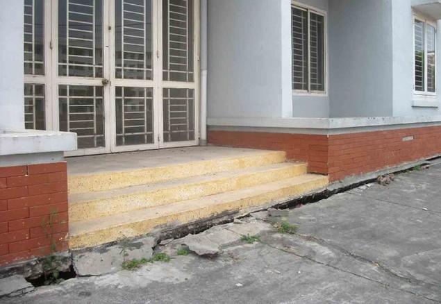 Cận cảnh sụt lún nghiêm trọng tại dự án tái định cư đồ sộ nhất TPHCM - ảnh 10