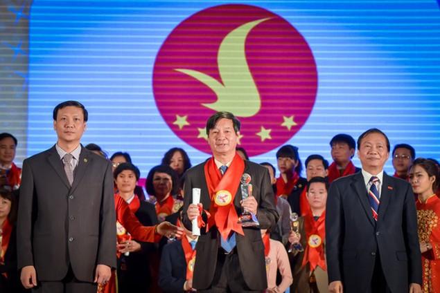 Top 15 doanh nghiệp Thương hiệu Mạnh Việt Nam 2015 - ảnh 4