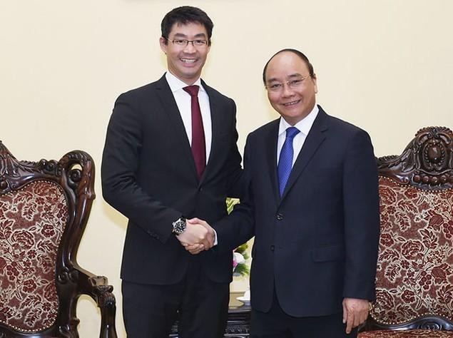 Thủ tướng Nguyễn Xuân Phúc tiếp Giám đốc điều hành WEF Philipp Rosler - ảnh 1