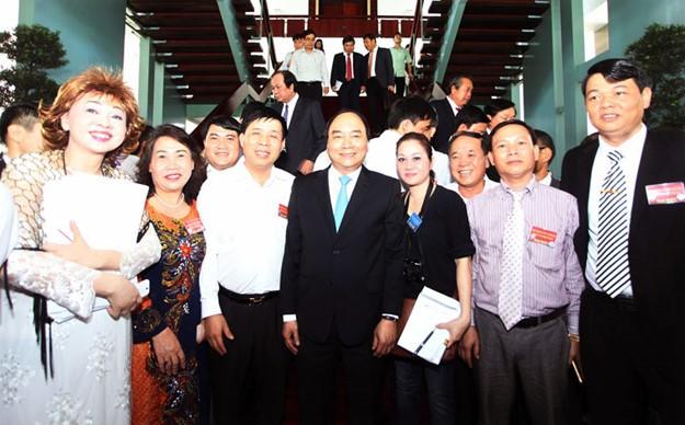 Những hình ảnh tại buổi đối thoại giữa Thủ tướng với doanh nghiệp - ảnh 9