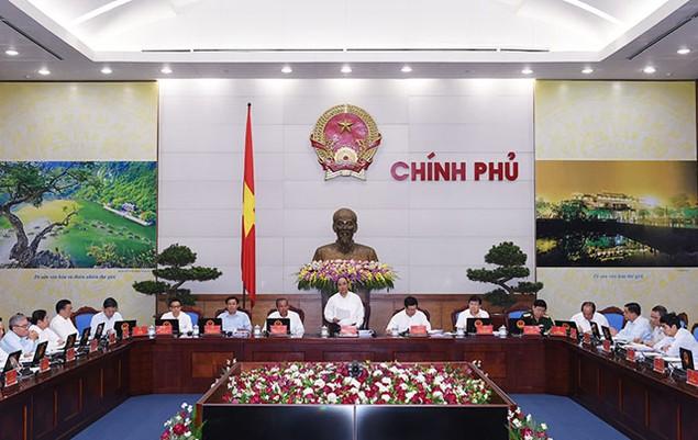 Thủ tướng Nguyễn Xuân Phúc: Kiên định với mục tiêu tăng trưởng 6,7% - ảnh 1