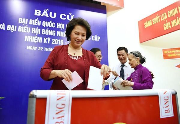 Bí thư Hà Nội: 'Đừng bỏ phiếu qua loa, cho xong chuyện' - ảnh 19