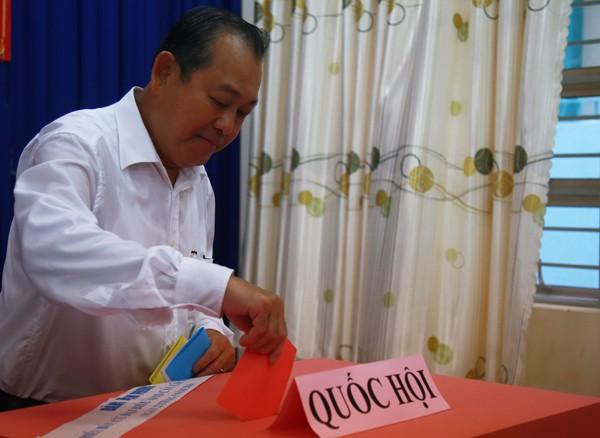 Bí thư Hà Nội: 'Đừng bỏ phiếu qua loa, cho xong chuyện' - ảnh 25