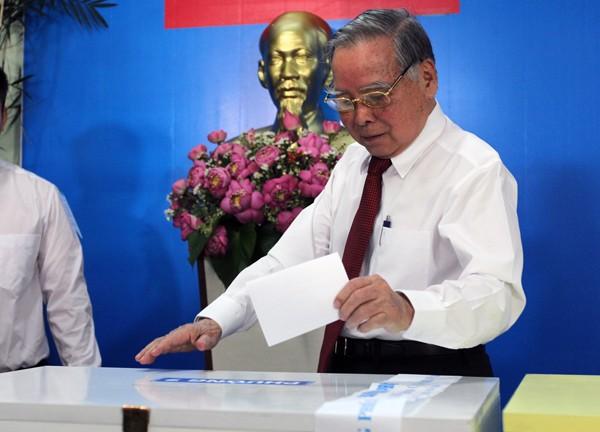 Bí thư Hà Nội: 'Đừng bỏ phiếu qua loa, cho xong chuyện' - ảnh 26