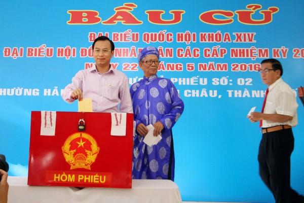 Bí thư Hà Nội: 'Đừng bỏ phiếu qua loa, cho xong chuyện' - ảnh 32