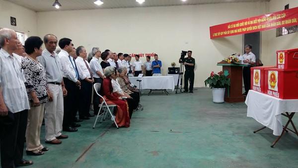 Bí thư Hà Nội: 'Đừng bỏ phiếu qua loa, cho xong chuyện' - ảnh 34