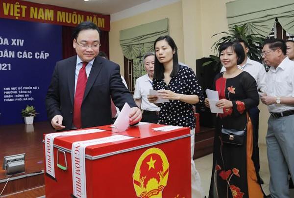 Bí thư Hà Nội: 'Đừng bỏ phiếu qua loa, cho xong chuyện' - ảnh 11