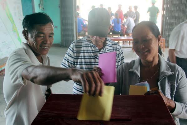 Bí thư Hà Nội: 'Đừng bỏ phiếu qua loa, cho xong chuyện' - ảnh 9