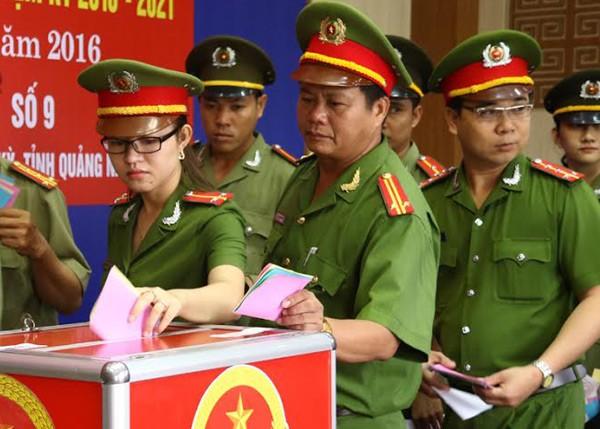 Bí thư Hà Nội: 'Đừng bỏ phiếu qua loa, cho xong chuyện' - ảnh 3