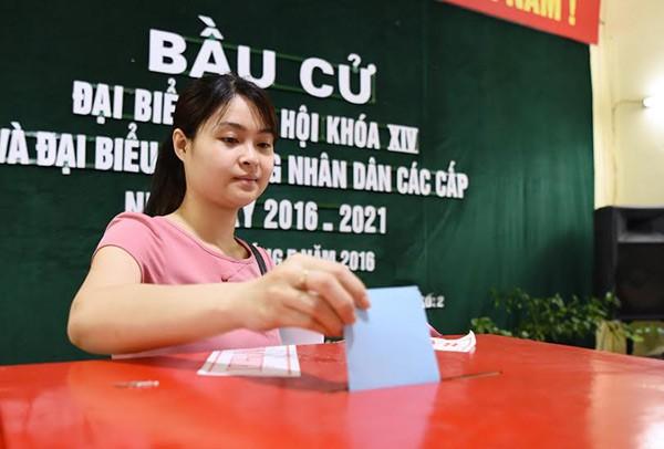 Bí thư Hà Nội: 'Đừng bỏ phiếu qua loa, cho xong chuyện' - ảnh 1