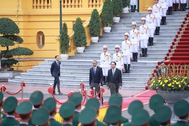 Cận cảnh lễ đón Tổng thống Hoa Kỳ Obama tại Phủ Chủ tịch - ảnh 2