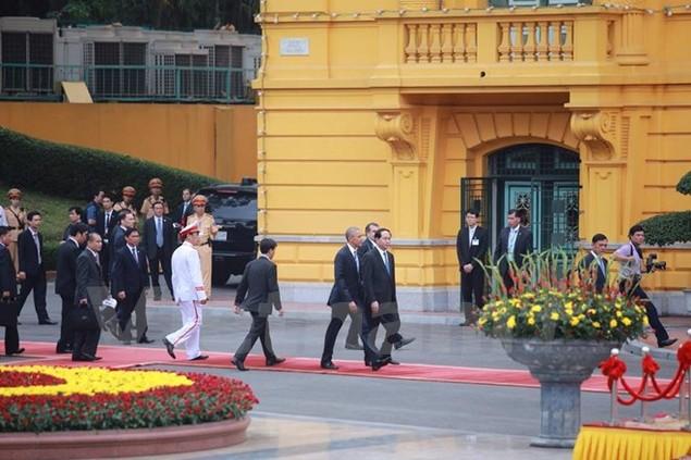Cận cảnh lễ đón Tổng thống Hoa Kỳ Obama tại Phủ Chủ tịch - ảnh 9