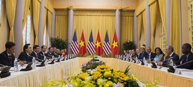 Việt - Mỹ ký một loạt văn kiện - ảnh 1
