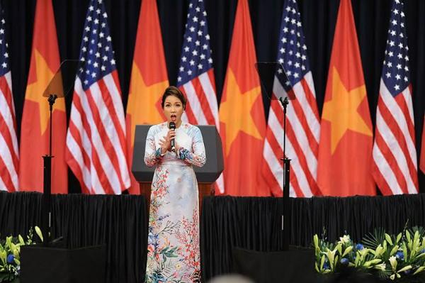 Tổng thống Obama: 'Sự thân thiện của Việt Nam đã chạm tới trái tim tôi' - ảnh 7
