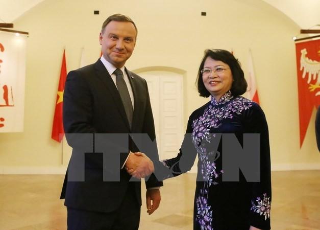 Phó Chủ tịch nước Đặng Thị Ngọc Thịnh hội kiến Tổng thống Ba Lan - ảnh 1