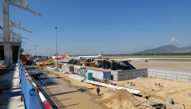 Cận cảnh tiến độ thi công Nhà ga – Cảng hàng không quốc tế Đà Nẵng trước thềm APEC 2017 - ảnh 10