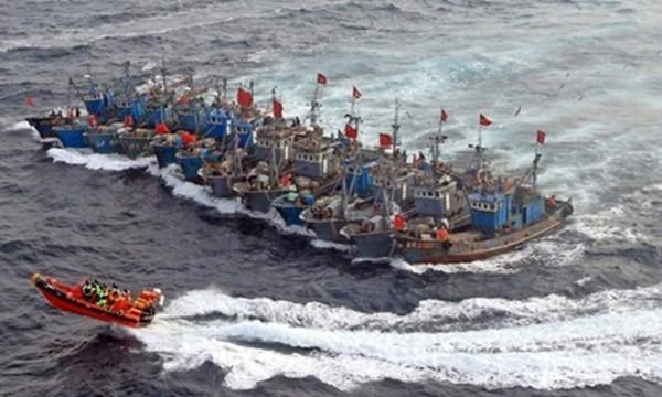 Hai công cụ gặm nhấm Biển Đông của Trung Quốc - ảnh 1