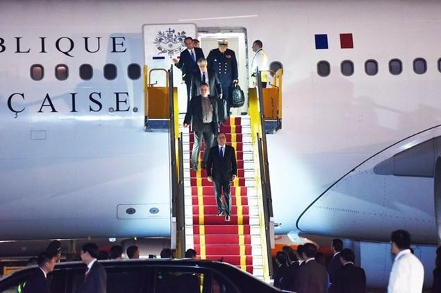 Một ngày của tổng thống Pháp tại Hà Nội - ảnh 1