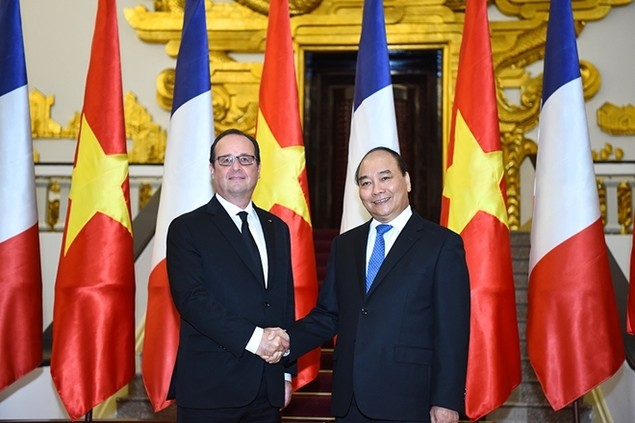Một ngày của tổng thống Pháp tại Hà Nội - ảnh 4