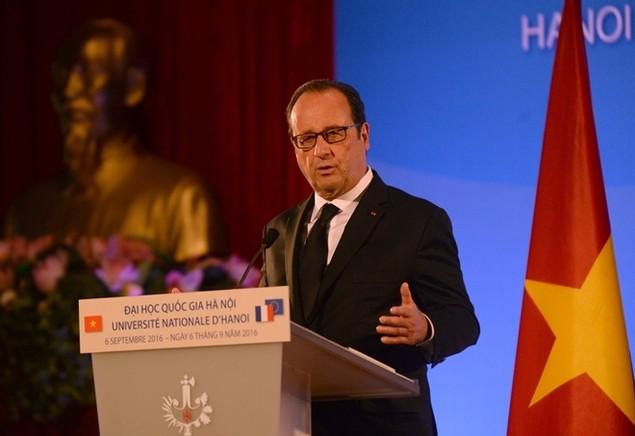Một ngày của tổng thống Pháp tại Hà Nội - ảnh 5